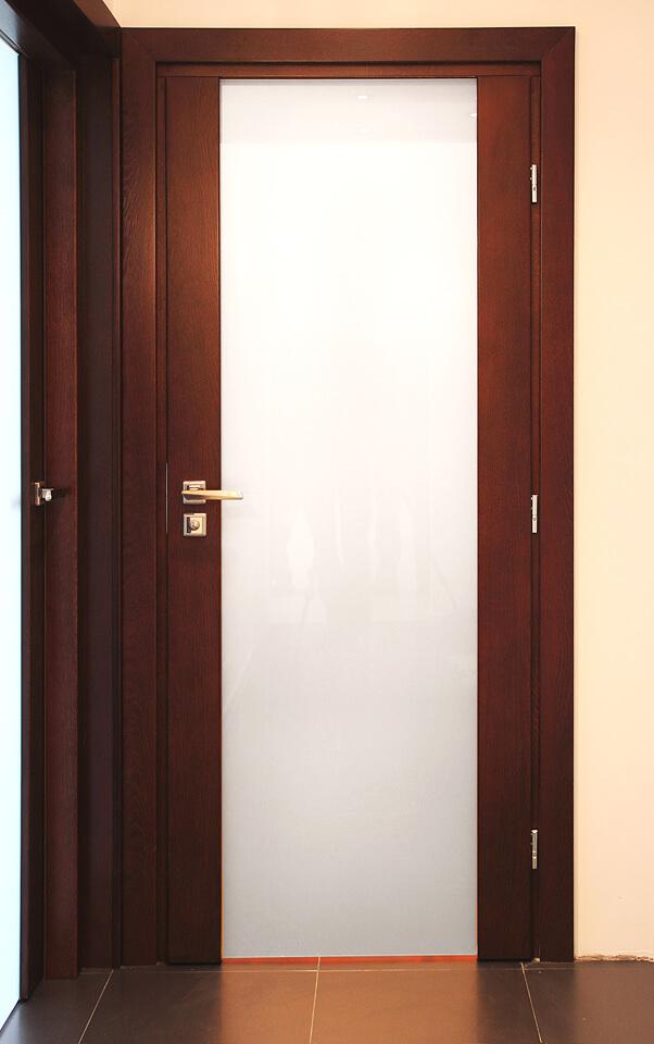 Drzwi dębowe wewnętrzne.